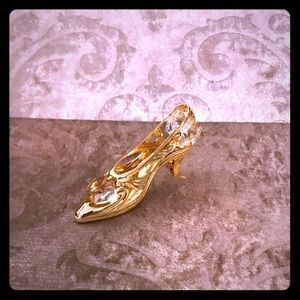Gold and Crystal shoe decor